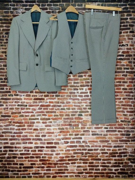 Vintage 70's Men's Suit - Plaid Jacket and Flared