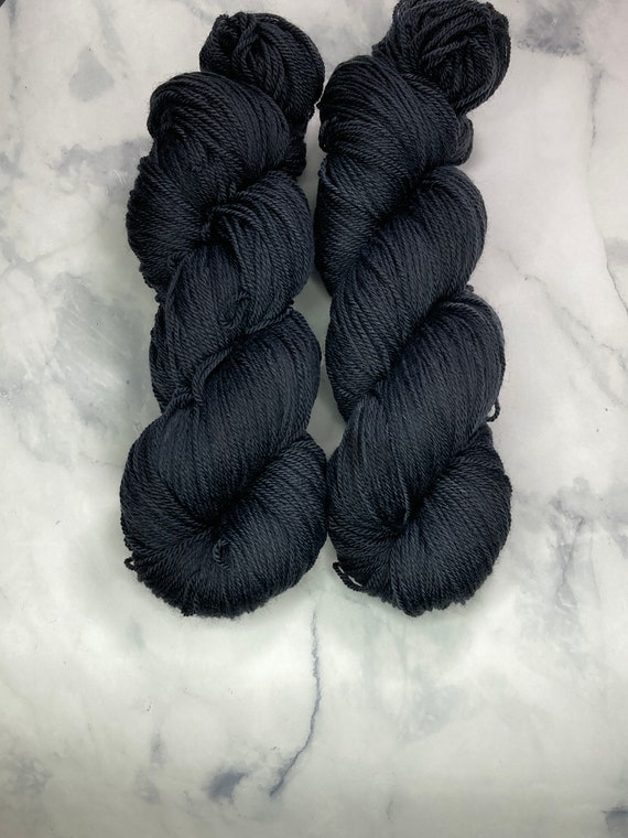 Hand Dyed Yarn |  Sock Yarn | Raven | Superwash Yarn | Semisolid Yarn | Fingering weight yarn | Merino Wool Yarn | Nylon Yarn