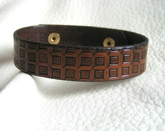 Brown dots and boxes leather cuff