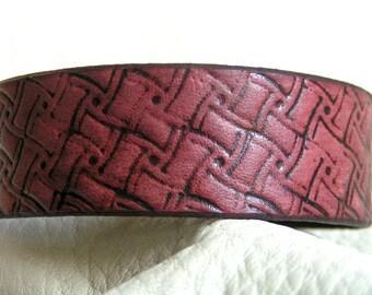 Rasin mahogany swirl leather cuff