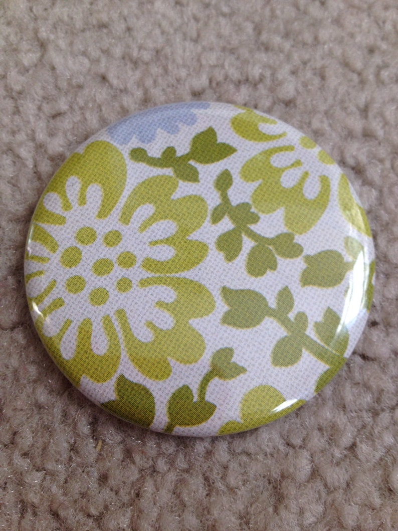 Island Girl Bags  Fabric Covered Pocket Mirror 2.25 inches image 0