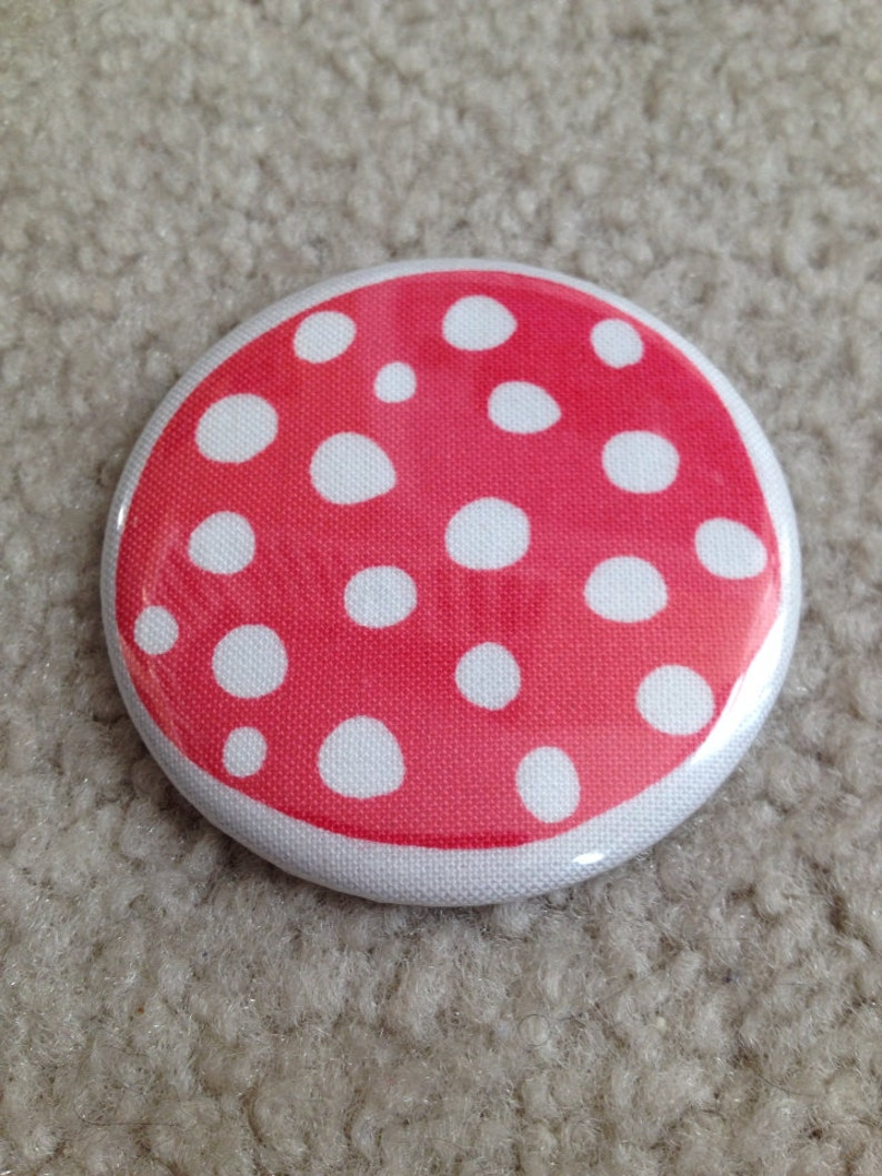 Island Girl Bags  Fabric Covered Pocket Mirror 2.25 inches in image 0