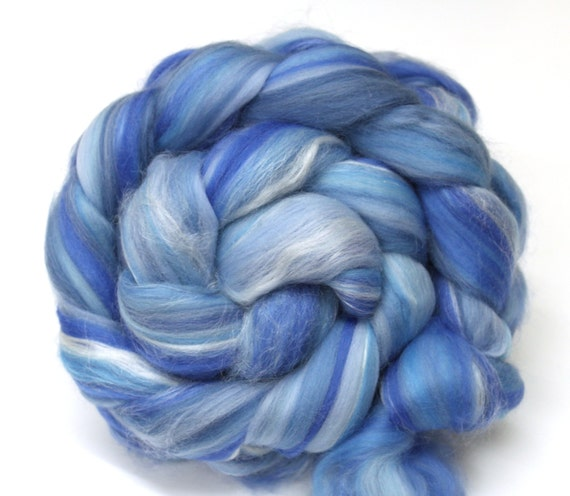 Merino Wool and Silk Combed Top Sky Blue 100g Roving