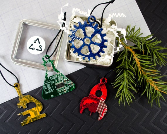 Geek Christmas Ornaments.Circuit Board Science Ornament Gift Set Of 4 Geeky Christmas Ornaments Computer Engineer Gift Holiday Garland Decor Chemistry Gift Nerdy