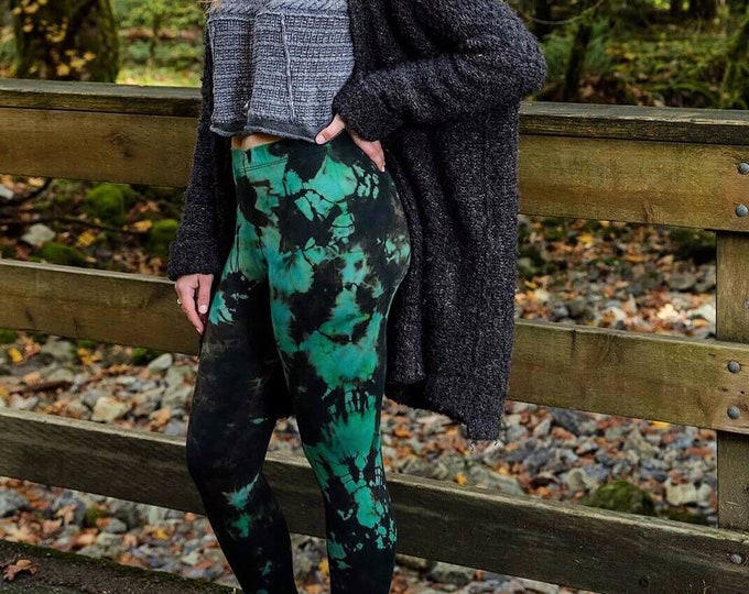 Featured listing image: Emerald Cathedral Legging