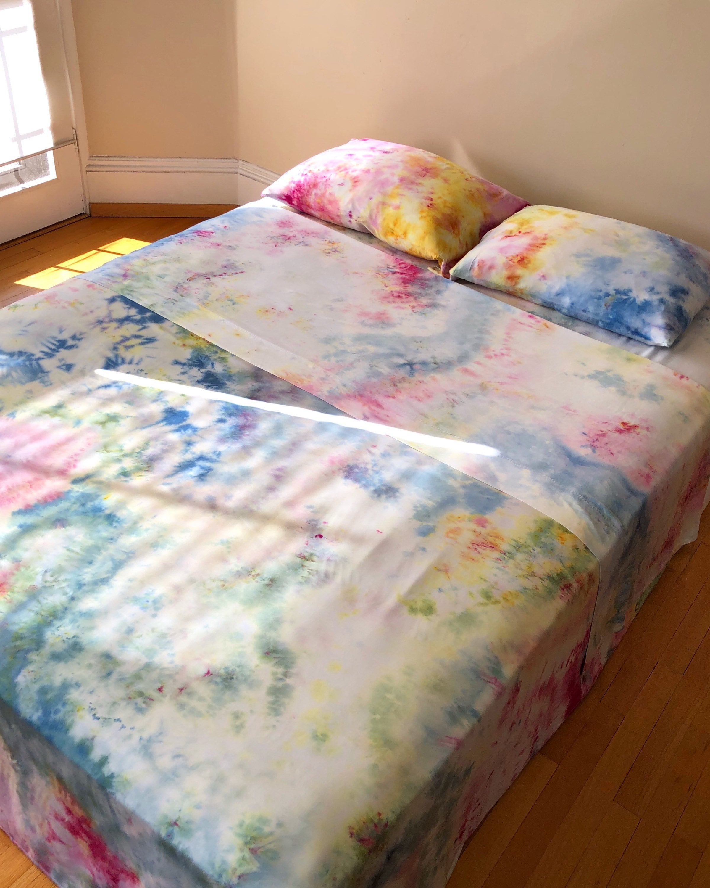 Bamboo Sheets Toxic: Pastel Day Dream Queen Sized Sheet Set