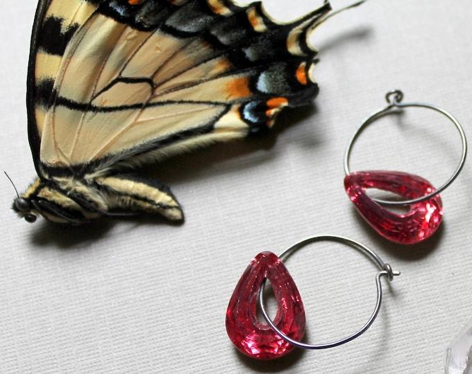 Aphrodite // rose pink crystal teardrop earrings - beautiful!