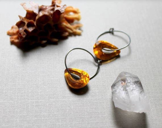 Honey // vintage yellow glass crystal earrings - so pretty!