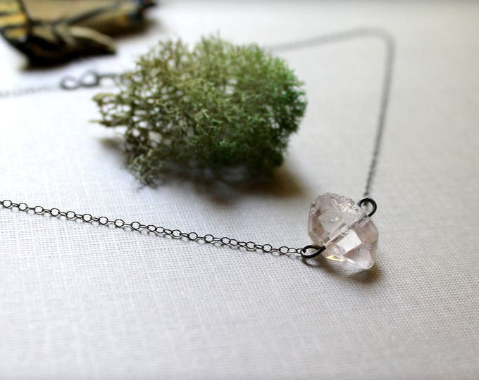 Earth Goddess // double pointed quartz necklace