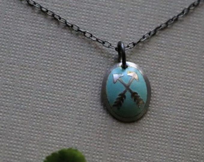 Friendship // vintage crossed arrow necklace