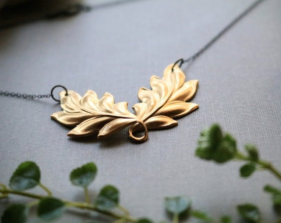 Laurel // brass twisted leaf necklace