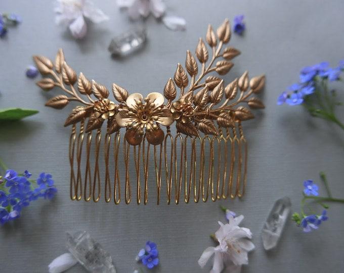 In Bloom // golden myrtle leaf hair comb