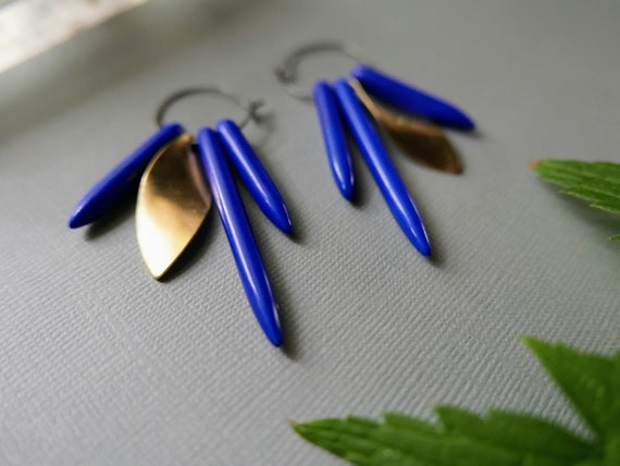 Where the Trees Touch the Sky // blue spike and brass leaf hoop earrings