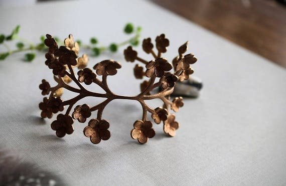 May Flower // vintage raw brass flower bracelet