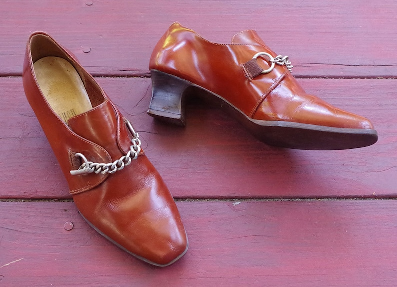 Super FLY 1970/'s Vintage Solid Brown Leather Booties Slides w Silver Chain Buckles  by Rush Hour  size 6 M