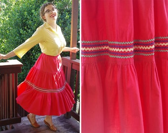 CHI CHI 1940's 50's Vintage Bright Faded Red Spanish Tiered Ruffled Skirt w/ Rickrack // size Small Med W27
