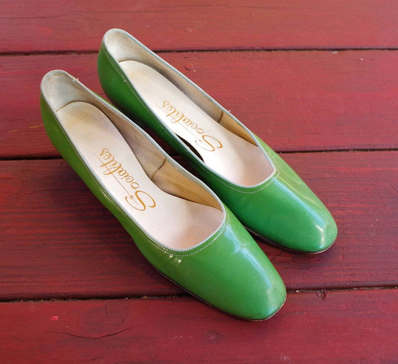 2f3210ebff733 GRASS Green 1960's Vintage Green + Teal Patent Leather Pumps High Heels //  by Socialites // size 7 N