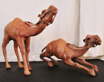Camels/ Pair / One Standing and One Crouching//Leather