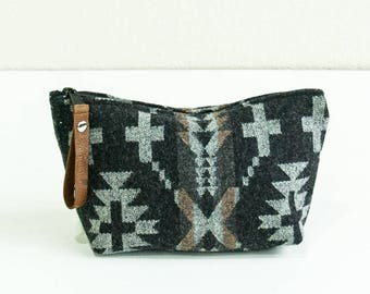 Medium Wool Cosmetic Pouch in Spider Rock Pattern