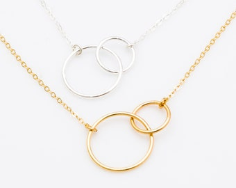 Interlocking Circle Necklace, Double Circle Pendant Necklace, Entwined Ring Necklace, Minimalist Gift for Her, Couple Sister Necklace
