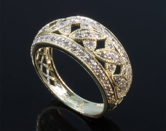 14K Yellow Gold and .25 tcw Vintage Diamond Ring