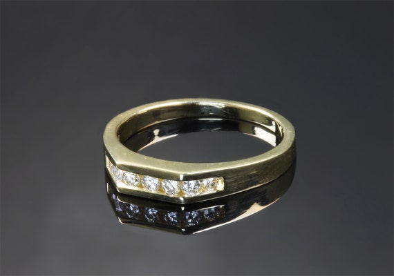 18K Yellow Gold and Diamond Vintage Ring
