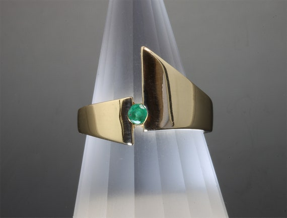 Vintage Modern style 14K yellow gold emerald ring, green gemstone, statement jewelry, retro boho look, size 6.75 only