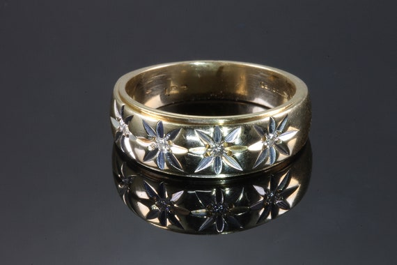 Vintage four diamond starburst 14K yellow gold wedding band, unisex jewelry sparkly ring sparkly life! ring for anyone