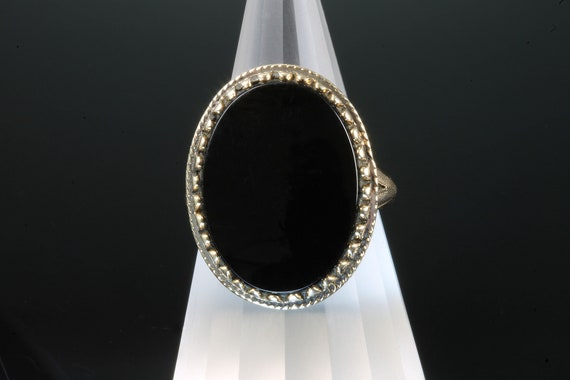 Vintage retro 1970s 10K yellow gold and large oval black onyx ring, womans fashion statement jewelry, gift for her, bold bijoux