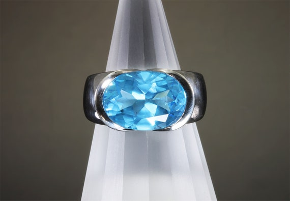 Vintage 14K white gold Swiss Blue Topaz ring, Big bold bright beautiful bauble!, size 6.5 jewel of love & loyalty, gift for anyone