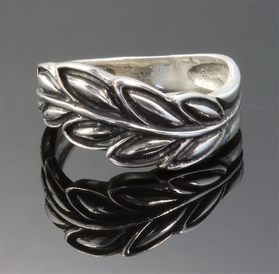 Sterling Silver Laurel Leaf Ring by Cavallo Fine Jewelry