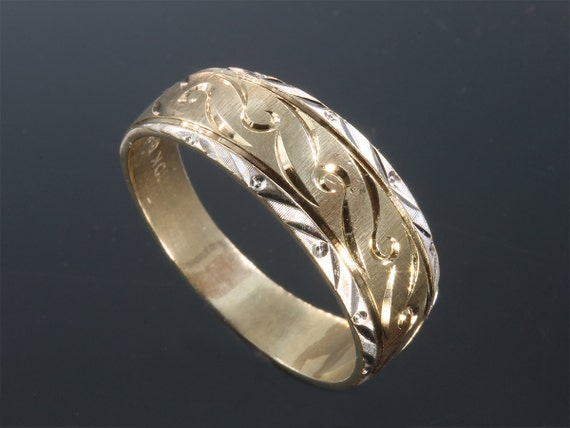10K Two Tone Gold Engraved Vintage Wedding Band