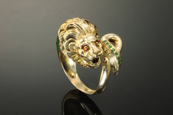 18K Yellow Gold, Green and Red Enameled  Vintage Lion Ring