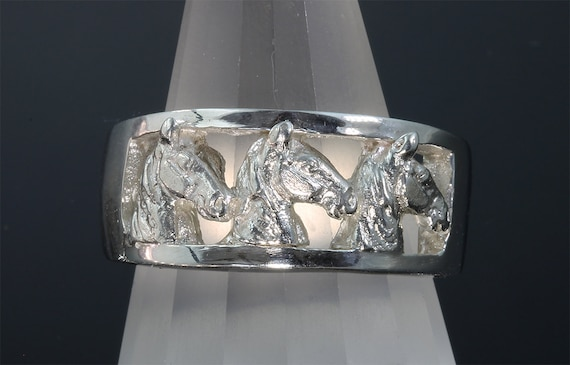 Sterling Silver Tennessee Walker Three HorseHead Ring by Cavallo Fine Jewelry