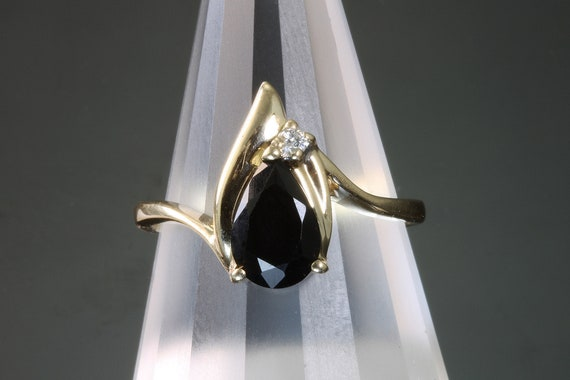 Vintage 14K Yellow Gold Pear Shaped Black Onyx Diamond Ring, womans fashion gift for her, retro style Think Christmas!