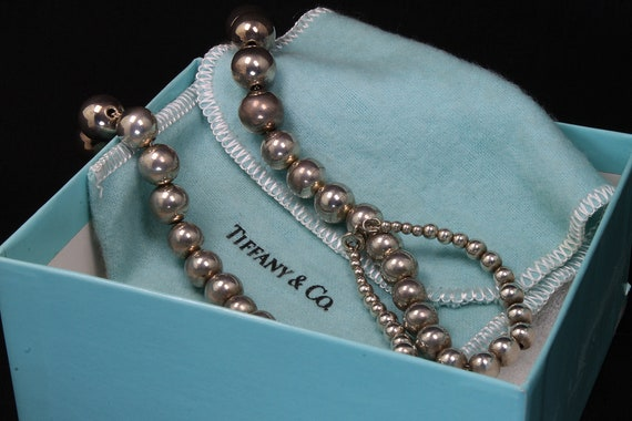 """Vintage Tiffany and Co. Sterling Silver Graduated Bead Necklace 18"""""""
