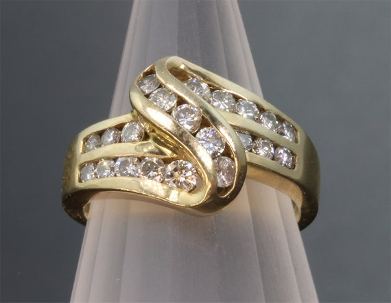 Vintage!! 14K Gold Ring with .88 tcw Diamond
