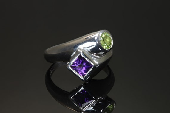 Handmade Sterling silver round peridot and square amethyst ring, geometric shapes, unisex jewelry, colorful!