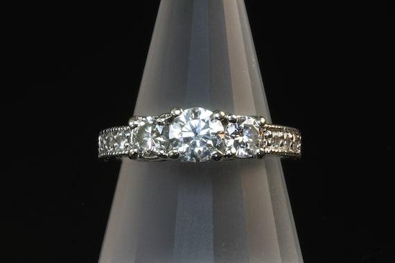 Fabulous vintage estate 14K white gold diamond ring, engagement ring, wedding jewelry bridal jewelry, stunning sparkles, feminine