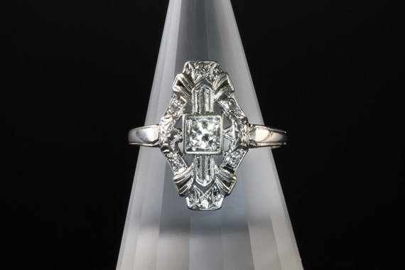 Vintage Antique Art Deco Platinum and .15 tcw diamond ring, elegant, feminine, everyday wear, gift for her, collectible jewelry