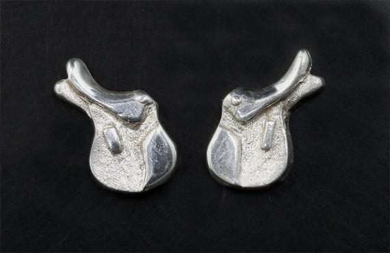 Hunt Seat Saddle Earrings in Sterling Silver by Cavallo Fine Jewelry