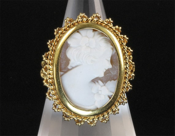 18K Yellow Gold Vintage Cameo Ring