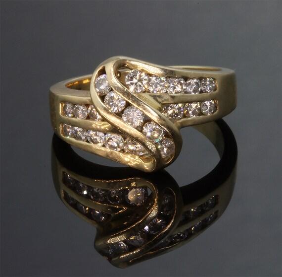 14K Gold Vintage .88 tcw Diamond Ring