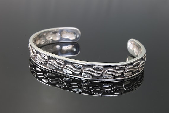 Sterling Silver Cuff Bracelet with Abstract Horse Heads by Cavallo Fine Jewelry