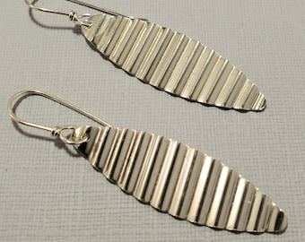 Sterling Silver Shiny Corrugated Ellipse Earrings