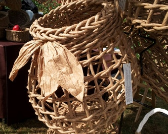 Garnished Garlic Basket