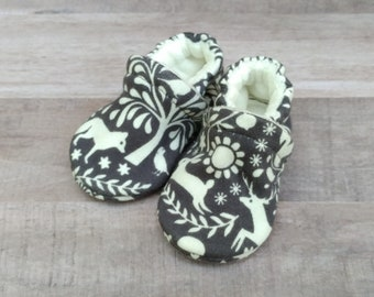 Gray Wildlife: Handmade Soft Sole Shoes Cotton Knit Fabric Non-Slip Booties Baby Toddler Child Adult