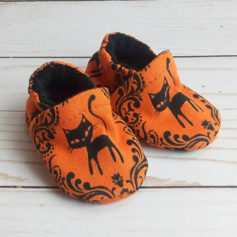 Black Cat: Handmade Baby Shoes Soft Sole Cotton Knit Fabric image 0