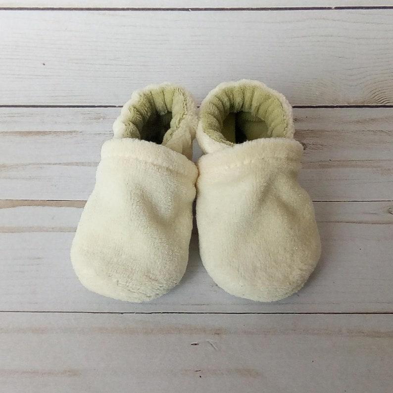 0-3M Newborn Cream and Sage : Handmade Baby Shoes Soft Sole image 0