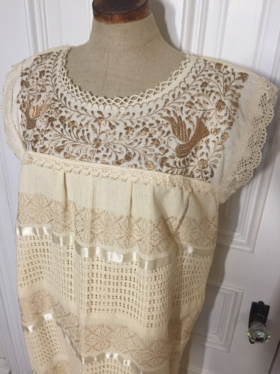Vintage ivory lace embroidered bird floral peasant